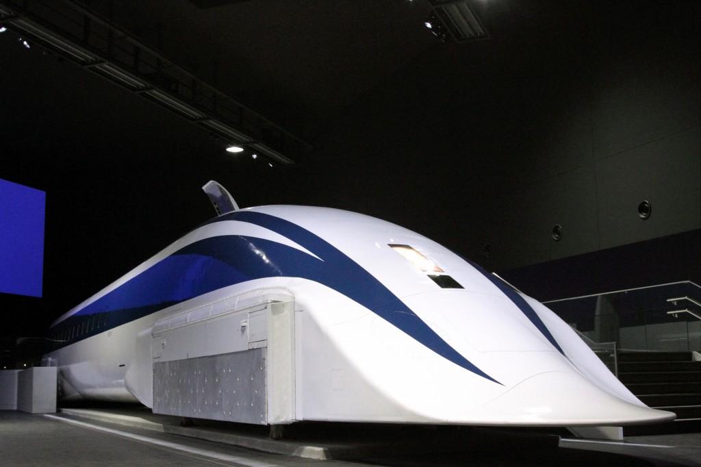 超导磁悬浮列车及磁悬浮列车铁道馆(1)