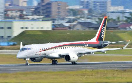 飞机的滑行时速将接近约200公里的起飞速度